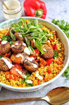 Curried Couscous, Couscous Salad, Veggie Recipes, Dinner Recipes, Healthy Recipes, Vegan Couscous Recipes, Falafel Recipe, Good Food, Yummy Food