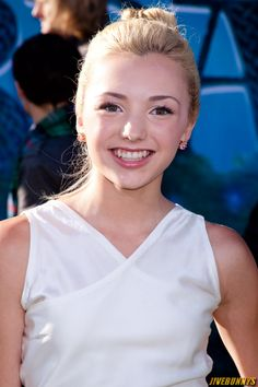 HQ Photos of Peyton List who plays Emma Ross in TV series Jessie. Peyton List Teen Actress Photos Gallery 1