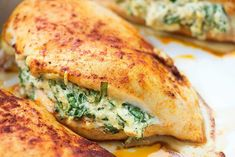 This simple recipe for stuffed chicken breast will be a new Low Carb family favorite! The cream cheese and Parmesan give this spinach filled chicken a. Chicken Breast Recipes Healthy, Healthy Recipes, Spinach Recipes, Pollo Caprese, Chef Recipes, Cooking Recipes, Healthy Low Carb Dinners, Spinach Stuffed Chicken, Chicken Breasts