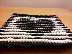 Ravelry: Black & White Valentine Heart Illusion Knitting