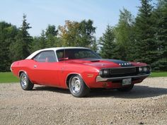 1970 Dodge Challenger R/T in two-tone V02 white and red.