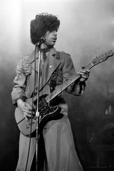 A Look at Prince's Sexy 4-Decade Style Reign: March 2, 1982