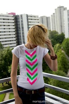 DIY neon tribal T-shirt mariajustdoit.blogspot.com