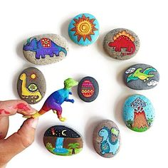 Story Stones and Painted Rocks / Woodland Animals and Camping Game and Toy Rock Painting Supplies, Rock Painting Ideas Easy, Painting For Kids, Diy Painting, Pebble Painting, Pebble Art, Stone Painting, Stone Crafts, Rock Crafts