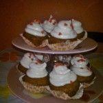 Muffin con glassa di meringa all'Italiana