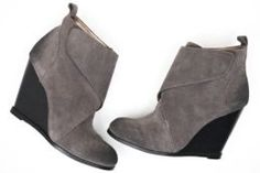 Available @ TrendTrunk.com BCBGeneration Boots. By BCBGeneration. Only $50.00! Bcbgeneration, Trunks, Wedges, Money, Boots, Fashion, Shearling Boots, Moda, Silver