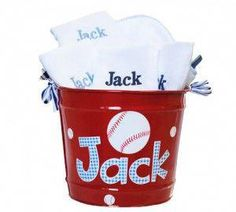 All American Bucket Gift Set - personalized Bucket, 4 Burp Cloths, and a hooded Towel with gingham, baseballs, and puppies! Perfect gift for a new baby (or growing! Vinyl Crafts, Vinyl Projects, Baby Shower Gender Reveal, Baby Boy Shower, Baseball Buckets, Baseball Caps, Clemson Baseball, Theme Baskets, Baby Boy Themes