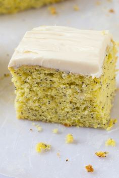 Healthy Flourless Lemon Poppy Seed Breakfast Cake- Light and fluffy on the inside, tender on the outside, an accidentally healthy breakfast, dessert or snack- Absolutely NO butter, oil, flour or sugar! {vegan, gluten free, paleo recipe}- thebigmansworld.com