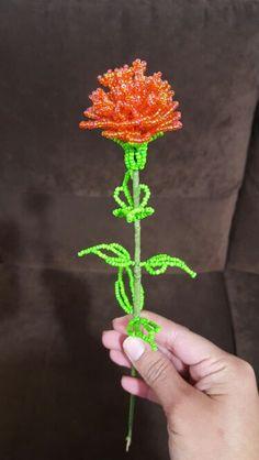 Flor. abalorios. san valentin. amor
