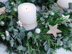 adventskranz_eucalyptus_7-1024x768 adventskranz_eucalyptus_7-1024x768 Advent Candles, Pillar Candles, Christmas Flower Arrangements, Christmas Deco, Make Christmas Decorations, Christmas Time, Candles