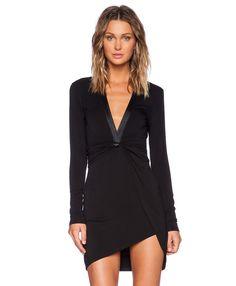 Vestido cuello pico manga larga-negro 17.59