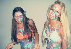 Alli: right Maddie: left Best Friends For Life, Best Friend Goals, Best Friends Forever, My Best Friend, Best Friend Pictures, Bff Pictures, Paint Fight, Best Friend Photography, Besties