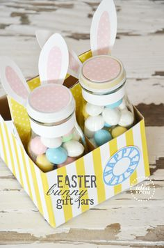 Easter Bunny Gift Jars with Free Pattern Printable | theidearoom.net