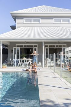 Bespoke design gives this Hamptons-inspired home an Australian twist sandstone coloured tiles around pool Hamptons Style Homes, The Hamptons, Exterior House Colors, Exterior Design, Style At Home, Pool Colors, Swimming Pools Backyard, Facade House, House And Home Magazine