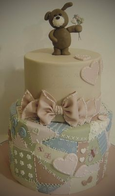 Holy cow! Cutest bottom tier of all time!! Could use with a dress up party with oversized pearl necklaces (or candy necklaces)!