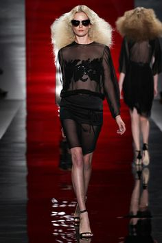 Reem Acra Spring 2014 Ready-to-Wear Collection Slideshow on Style.com