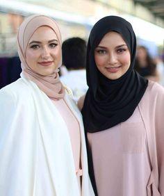 #throwback  @withloveleena & @neelofa #hijabstylebook