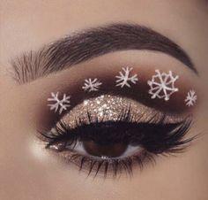 36 Christmas Day Makeup Looks to Try This Season; Christmas makeup looks; Glitter Eye Makeup, Eye Makeup Art, Eye Makeup Tips, Makeup Ideas, Makeup Box, Makeup Tutorials, Beauty Makeup, Hair Beauty, Creative Eye Makeup