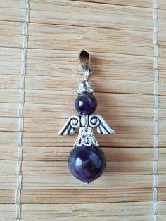 For deg som er glad i engler har vi noen flotte små anheng i Tibetansk sølv og Ametyst. Ametyst er den mest populære og anvendelige stenen som finnes. Et anheng som skaper balanse og ro gjennom en vanlig hverdag og dager med ekstra utfordringer. En flott gave til en du er glad i eller til deg selv. Drop Earrings, Jewelry, Angel, Jewlery, Bijoux, Jewerly, Jewelery, Dangle Earrings, Drop Earring