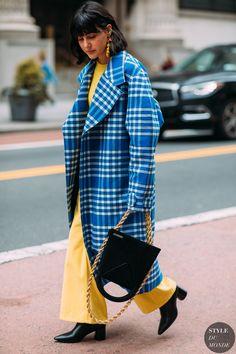Street Style at New York Fashion Week Fall 2018 Street Style 2018, New York Street Style, Street Style Shoes, Street Styles, Fashion 2018, New York Fashion, Trendy Fashion, Korean Fashion, Fashion Trends
