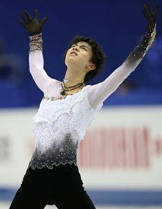 羽生「一番いい演技できた」/フィギュア - フィギュアニュース  http://www.nikkansports.com/sports/news/f-sp-tp0-20131206-1227955.html  ◆演技を終えた羽生は「(チャンを破っての初優勝は)ちょっと実感がない。GPで(4回転)サルコーを決められず残念だったが、福岡で一番いい演技ができた。これをきっかけに、もっともっと強くなれるように頑張る」と声をはずませていた。