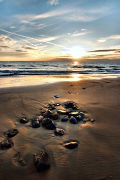 i love rocks on the beach and the sunset,,,,,oooh!