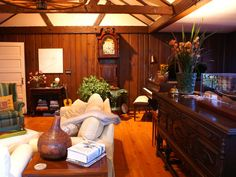 Furnished with fine antiques and a Baldwin B for the musically inclined!
