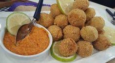 Albóndigas de merluza con salsa romesco