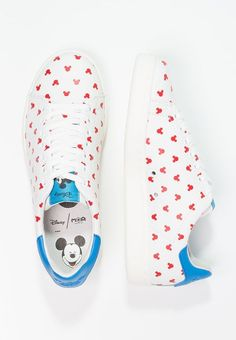 Mickey Mouse Sneakers | Disney Style | Tenis Mickey Mouse | @dgiiirls