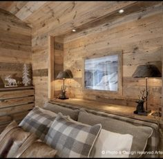 Arte Rovere Antico - Photo by Duilio Beltramone for Sgsm.it - Casa Scacchi - Limone Piemonte - Italy - Wood Interior Design - Mountain House Chalet Interior, Wood Interior Design, Design Furniture, Interior Decorating, Decorating Ideas, Chalet Design, Chalet Style, Cabin Interiors, Wood Interiors