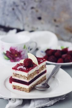 Mascarpone Mousse and Raspberry Jelly Cake Mousse Mascarpone, Romanian Desserts, Jelly Cake, Dessert Cake Recipes, Different Cakes, Christmas Dishes, Cupcakes, French Pastries, Sweet Tarts