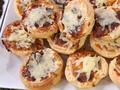 Emeril Lagasse's Savory Leek and Applewood Bacon Tartlets These Tartlets Are Big on Flavor!