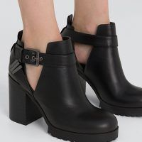 Sneakers Mode, Sneakers Fashion, Half Shoes, Clogs Shoes, Dream Shoes, Tarzan, Rubber Rain Boots, Ankle Boots, High Heels