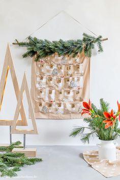 DIY: Adventskalender selber nähen | Alles und Anderes Countdown Calendar, Advent Calendar, Cozy Christmas, Xmas, November 2019, 9 And 10, Diy Projects, Diy Crafts, Wreaths