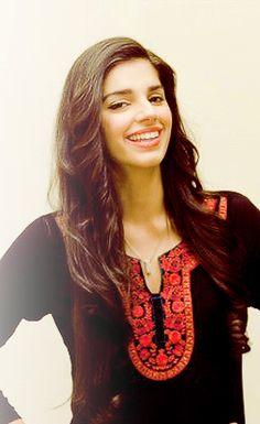 ❤️ her smile ☺️ Pakistani Models, Pakistani Actress, Cute Celebrities, Celebs, Sanam Saeed, Saree Poses, Wedding Fabric, Indian Girls, So Little Time