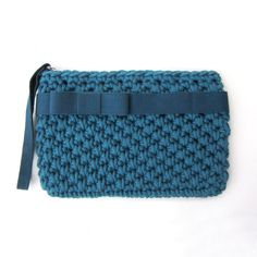 Crochet wristlet clutch bag, elegant clutch, teal, biscay bay, bow clutc