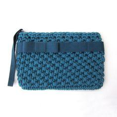 Crochet wristlet clutch bag, elegant clutch, teal, biscay bay, bow clutc