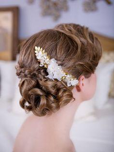 Bridal Flower Headpiece - Gold leaves and so elegant
