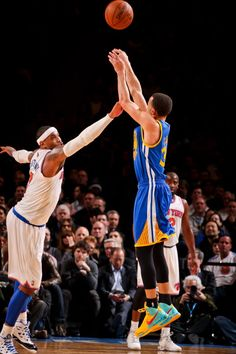 Stephen Curry WENT OFF for an NBA season-high (2/27/2013) 54 points (including 11 three pointers).