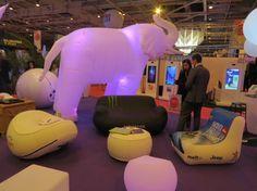 Le mobilier gonflable UNC Pro est disponible sur www.unc-pro.com. Depuis 2012, plus de 5000 meubles gonflables ont été fabriqués et commercialisés mondialement. Vous pouvez opter pour des meubles gonflables avec personnalisation (broderie ou impression). Contactez-nous à contact@unc-pro.com.