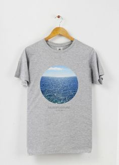 Tshirt col rond Infinite water by Alexia Tilmann on Triaaangles