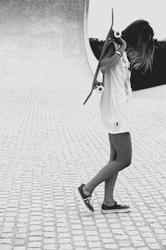 I LOVE Skater girls :)