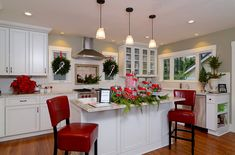 Eclectic kitchen gets a Christmasy makeover Christmas Decorating Ideas That Add Festive Charm to Your Kitchen