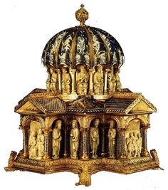 Domed Reliquary c. 1175 Gilt copper, champlevé enamel and walrus tusk on wood Made in Cologne, this reliquary is believed to have once housed the skull of St. Gregory of Nazianzus, probably brought to Germany by Henry the Lion during the Crusades. Rome Antique, Empire Romain, Byzantine Art, Religious Art, Religious Paintings, Romanesque, Museum, Ancient Artifacts, Sacred Art