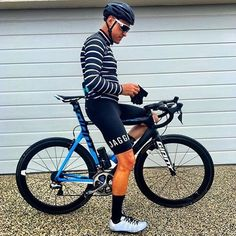 This legend can ride and style @wayneschwass keeping warm this morning in our merino long sleeve jersey and classic bibs @wayneschwass #jaggad #jaggadcycling #woolweek by jaggadcycling