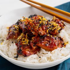 My spicy Korean grilled chicken has that awesome gochujang chilli kick. This Korean chicken recipe is super easy and yet so super tasty! Find my full recipe:. Asian Cooking, Easy Cooking, Cooking Recipes, Thai Cooking, Korean Grill, Winner Winner Chicken Dinner, Asian Recipes, Asian Foods, Chinese Recipes