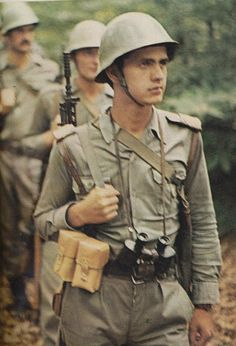 Soldiers of the Yugoslav People's Army.