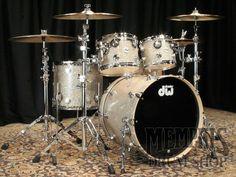 DW Collector's Series Maple Drum Set 22/10/12/16 - Broken Glass