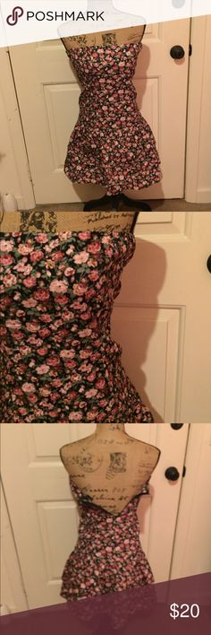 🆕 Wex floral dress Super cute!! Stretchy bust. Zips in back. Great condition just doesn't fit my mannequin :) 100% cotton. ❌Trades/Outside Transactions❌ 😻 friendly home 😻 💅🏼Serious buyers only, i.e. Please don't ask questions without intention of immediate purchase💅🏼 ❤️Bundles of 5 or more listings get HALF OFF YOUR WHOLE PURCHASE!❤️-separate listing must be made. Please ask!  📦Buyer pays extra shipping when applicable📦 💓Some colors vary in person! 😘thank you! Dresses Strapless