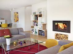 Stylish Scandinavian low-energy house with yellow accents 3 Living Room Designs, Living Spaces, Etagere Cube, Hay Design, Scandinavia Design, Scandinavian Style Home, Yellow Interior, Yellow Accents, Trendy Home